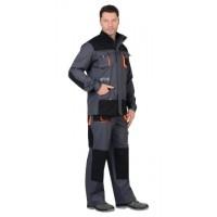 СИРИУС-МАНХЕТТЕН костюм, длин. куртка, п/к, т.серый с оранжевым и черным